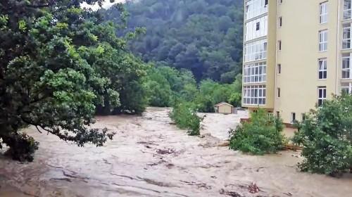Наводнение в Сочи 25 июня: фото, видео и последствия потопа