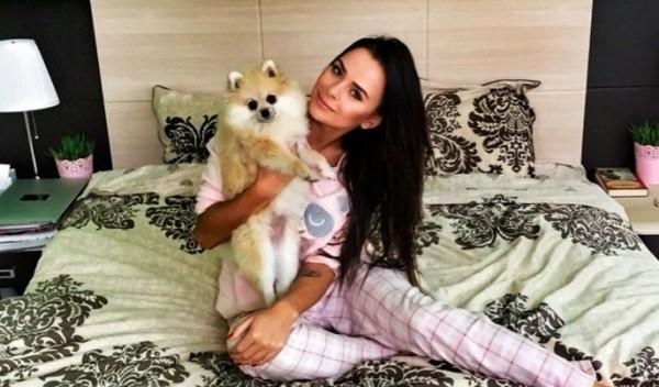 Дом-2 новости и слухи сегодня 28 декабря 2015: Саша Гозиас сожалеет об использовании плохой дешевой косметики, Виктория Романец не соблюдает элементарных правил личной гигиены