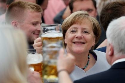 Меркель призывает ЕС взять судьбу в свои руки