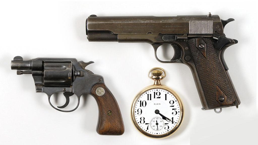 В США на аукцион выставлены украшения Бонни и Клайда