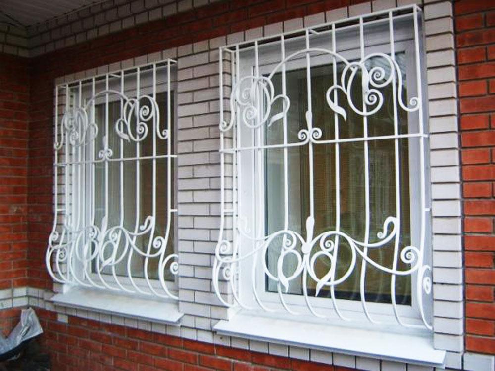 Почему стоит устанавливать на окна сварные решетки?