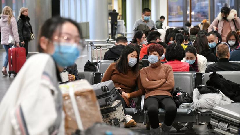 Двух кировский студенток из Китая доставили в Москву
