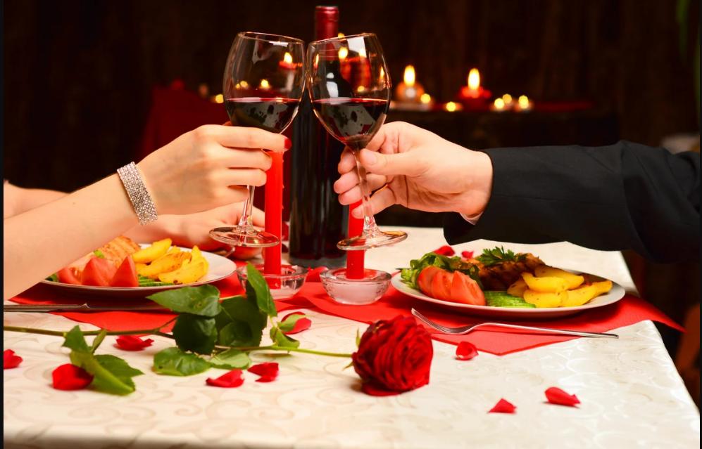 Рестораны Кирова приглашают горожан отметить День влюбленных