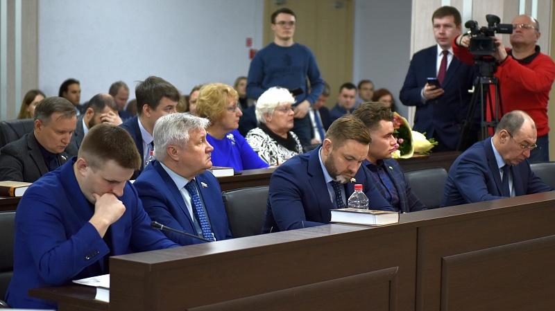 Кировские парламентарии решили отсрочить назначение нового мэра