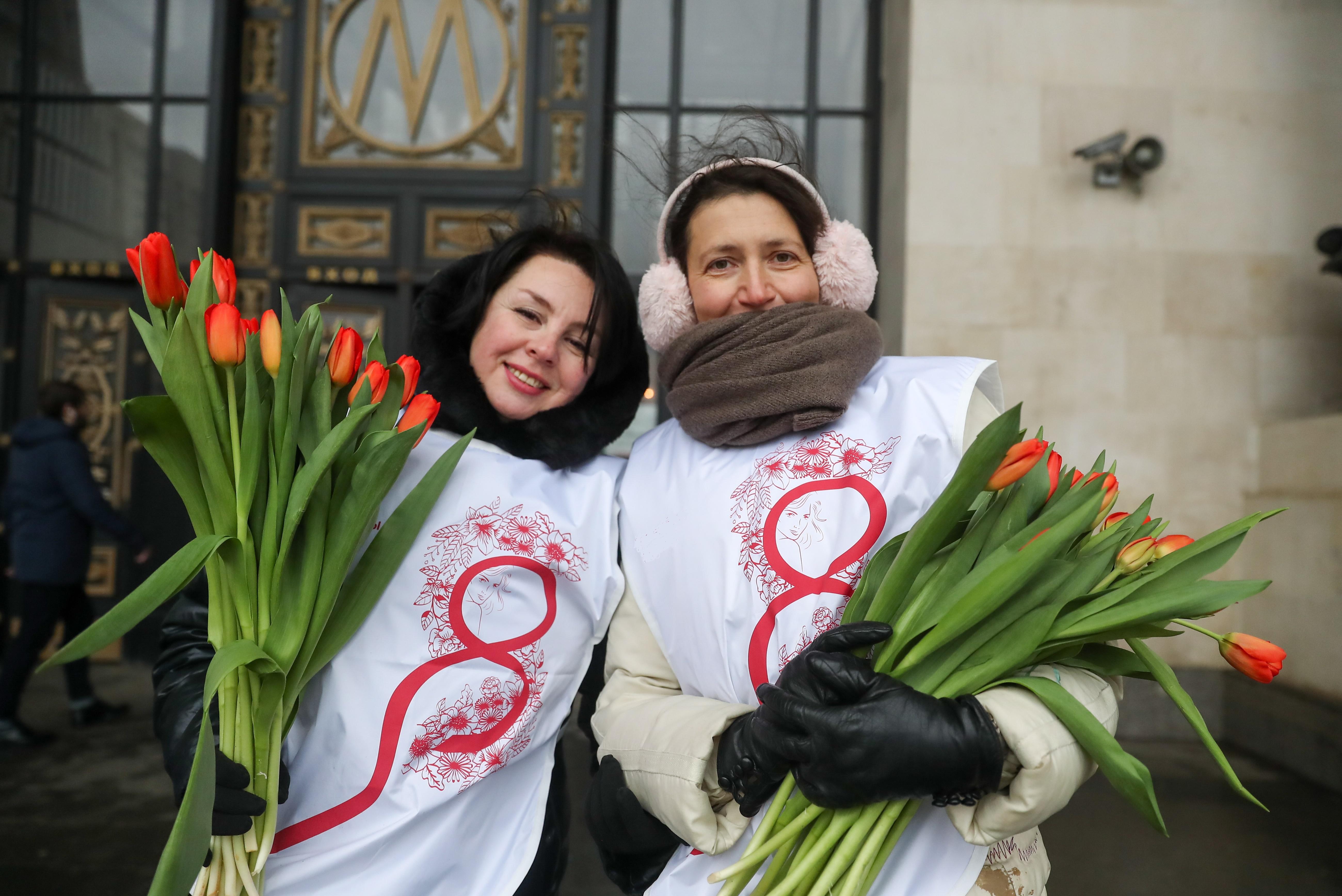 Подготовка к празднованию 8 марта в Кирове