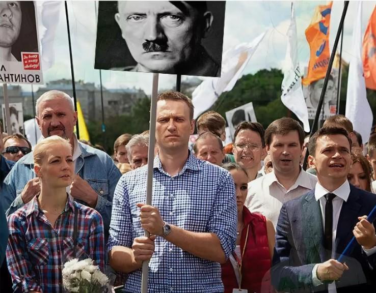 Навальный может быть разменной монетой в руках немецких спецслужб для пересмотра итогов ВОВ