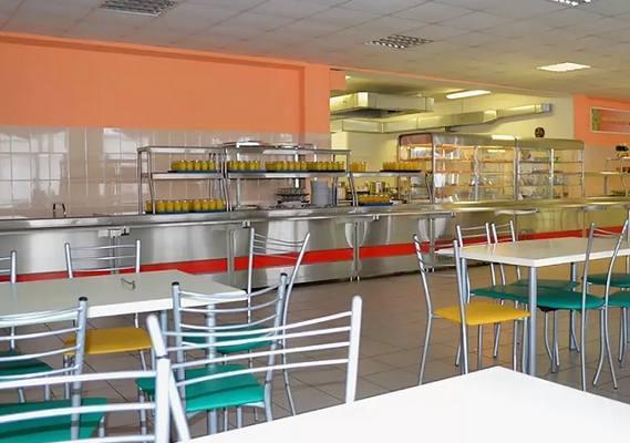 В Кирове зафиксирован случай подмены школьных обедов завтраками