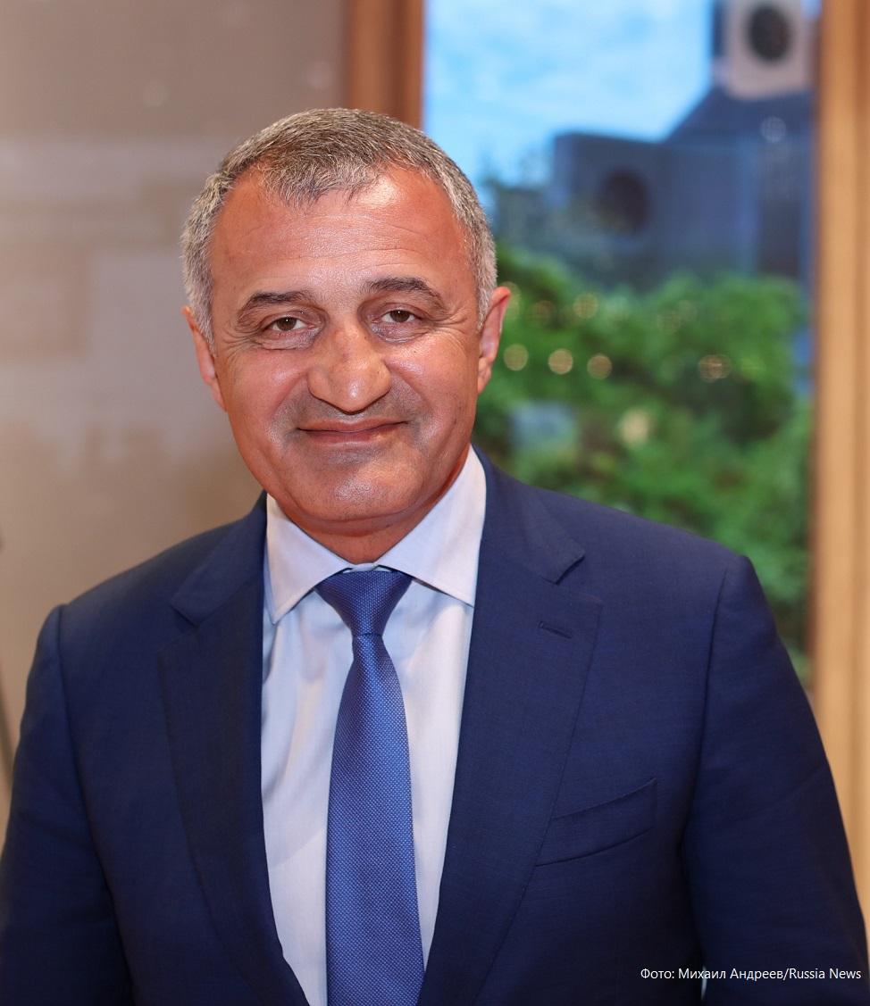 Анатолий Бибилов рассказал о сетевых провокациях на Южную Осетию