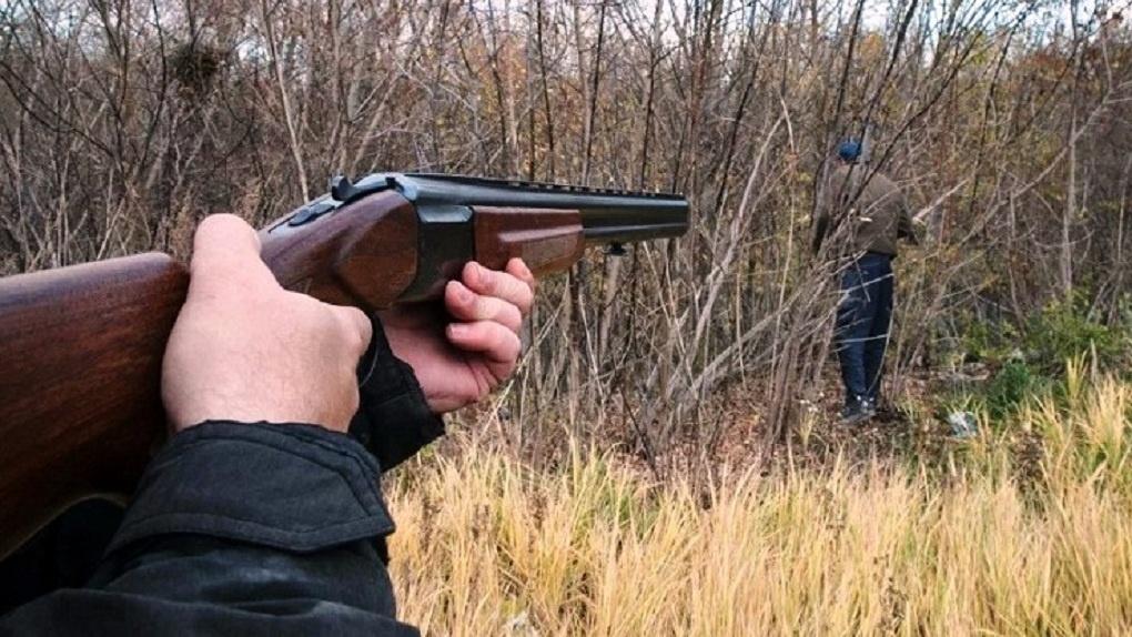 Друг вместо кабана: кировский охотник перепутал приятеля с добычей