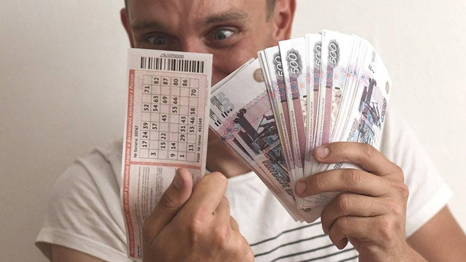 Лучше бы не выигрывал: у счастливчика после выигрыша в лотерею приставы изъяли половину