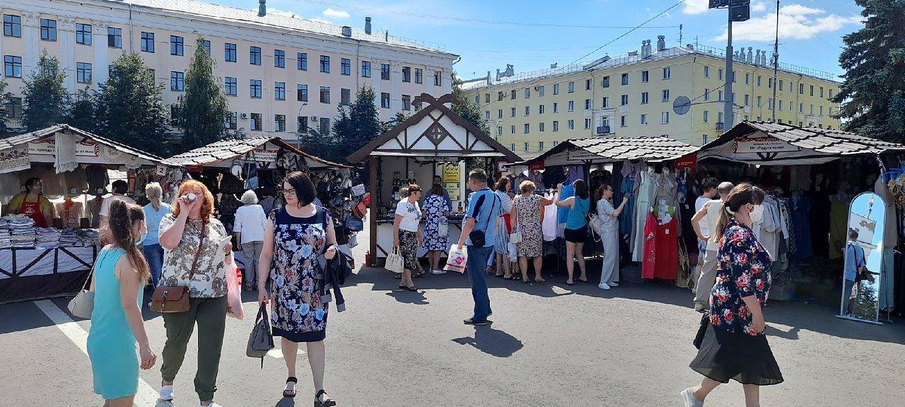 Кировчанам предлагают посетить ярмарку на Театральной площади