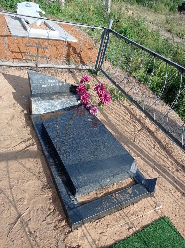 В Кирсе появились кладбищенские вандалы