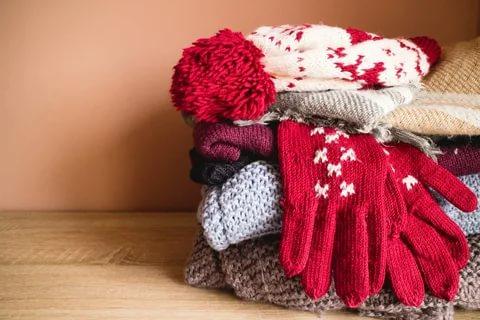 В Кирове начали собирать теплую одежду для бездомных
